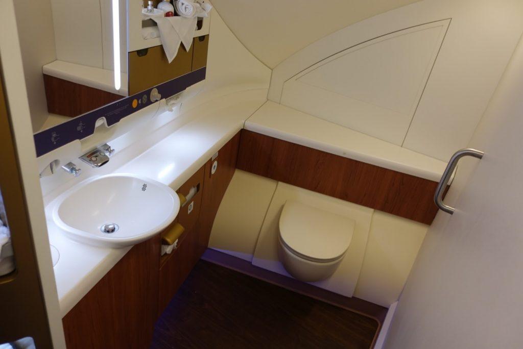 ห้องน้ำ Royal First Class  การบินไทย Airbus A380